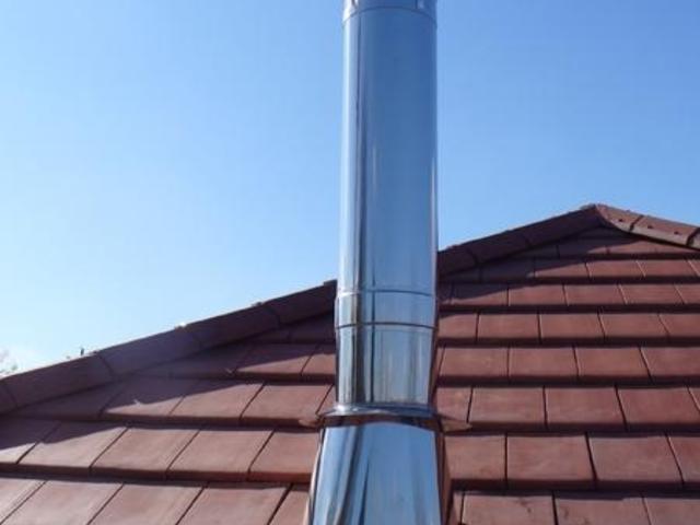 Edelstahlschornsteine über Dach