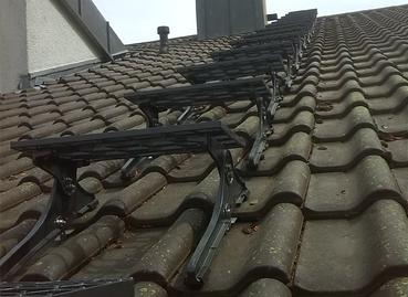 Trittstufen zur Reinigung des Schornsteins vom Dach aus