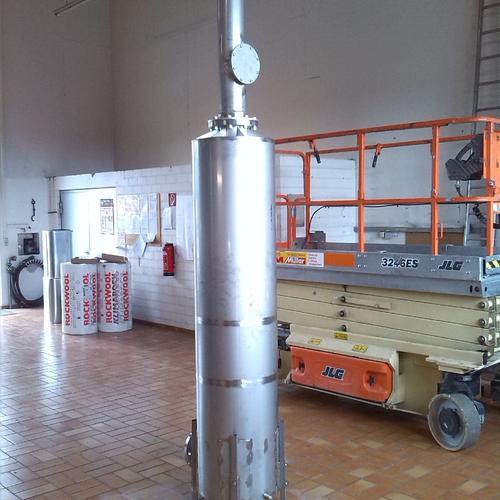 2,0m hoher, stehender Schalldämpfer für die Abgasleitung eines BHKW - Mineralbrunnen Krumbach AG, Kißlegg/Allgäu